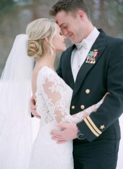 Fabulous Winter Wonderland Wedding Dresses Ideas02