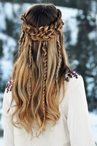 Latest Winter Hairstyle Ideas11