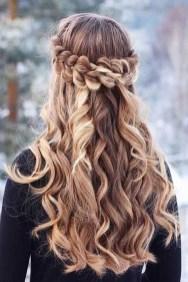 Latest Winter Hairstyle Ideas29