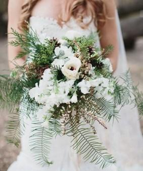 Modern Rustic Winter Wedding Flowers Ideas08
