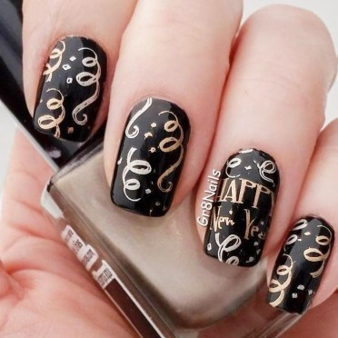 Outstanding Christmas Nail Art New 2017 Ideas16