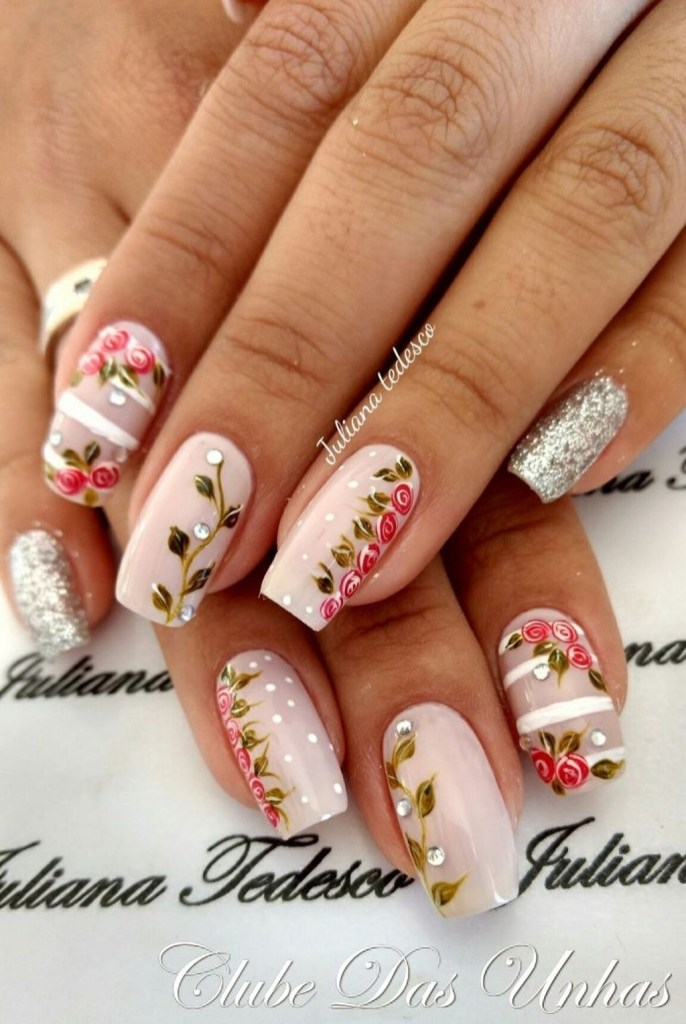 Outstanding Christmas Nail Art New 2017 Ideas37