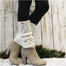 Incredible Winter Outfits Ideas With Leg Warmers13