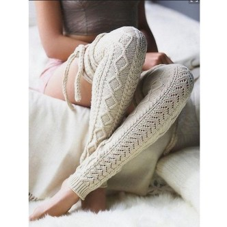 Incredible Winter Outfits Ideas With Leg Warmers26