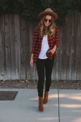 Simple Winter Outfits Ideas For School18