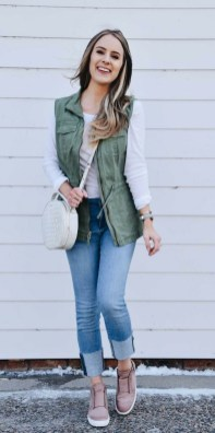 Captivating Spring Outfit Ideas35