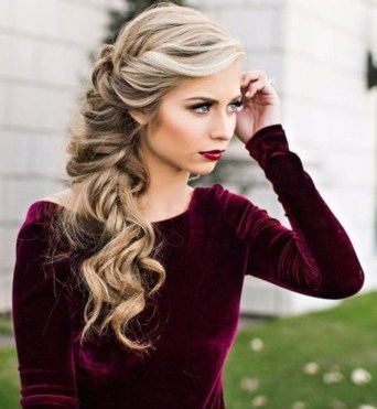 Charming Hairstyles Ideas For Long Hair07