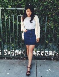 Elegant Denim Skirts Outfits Ideas For Spring32