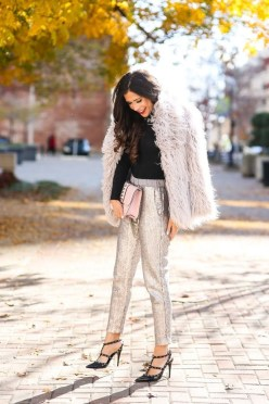 Impressive Holiday Outfits Ideas27