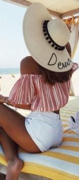 Stylish Fashion Beach Outfit Ideas23