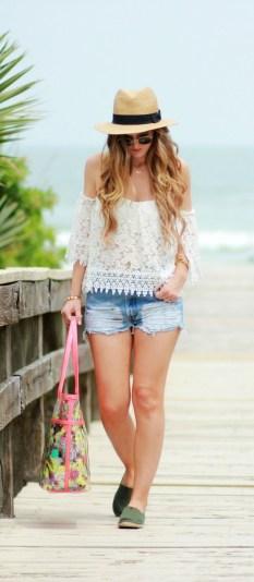 Stylish Fashion Beach Outfit Ideas43