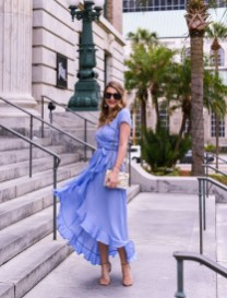 Gorgeous Maternity Wedding Outfits Ideas For Spring21