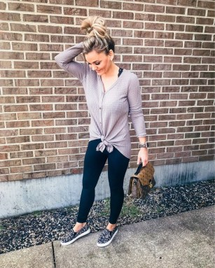 Outstanding Outfit Ideas To Wear This Spring35