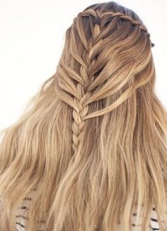 Stylish Mermaid Braid Hairstyles Ideas For Girls15