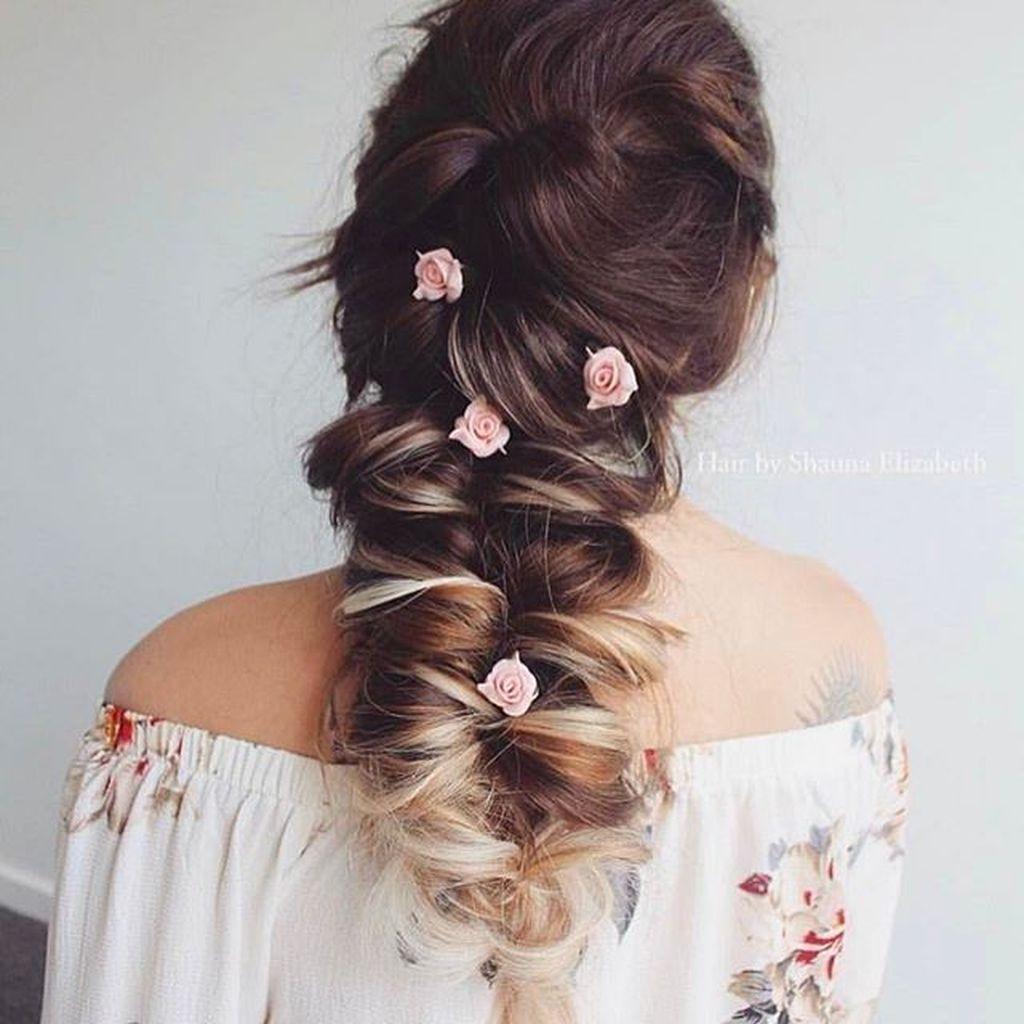 Stylish Mermaid Braid Hairstyles Ideas For Girls31