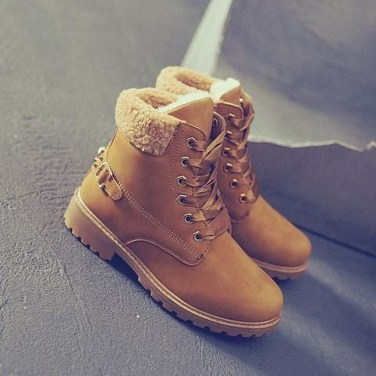 Best Ideas To Wear Wide Ankle Boots This Spring03