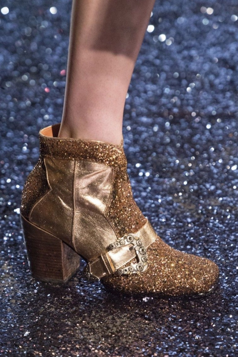 Best Ideas To Wear Wide Ankle Boots This Spring25