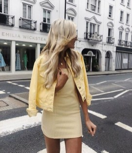 Charming Women Outfits Ideas For Spring And Summer32