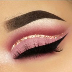 Stunning Eyeliner Makeup Ideas For Women13