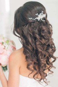 Unique Wedding Hairstyles Ideas For Round Faces10
