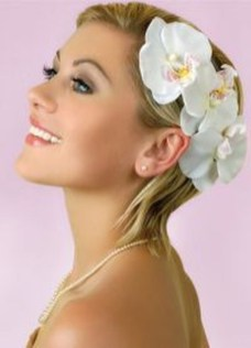 Unique Wedding Hairstyles Ideas For Round Faces21