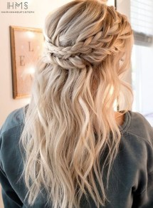 Captivating Boho Hairstyle Ideas For Curly And Straight Hair10