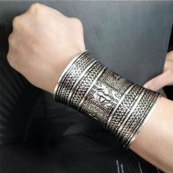 Captivating Silver Accessories Ideas For Add In Your Appearance16