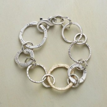 Captivating Silver Accessories Ideas For Add In Your Appearance46