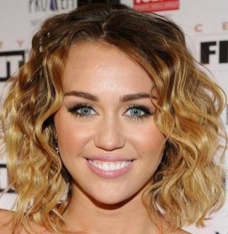 Charming Wavy Hairstyle Ideas For Your Appearance More Cool17