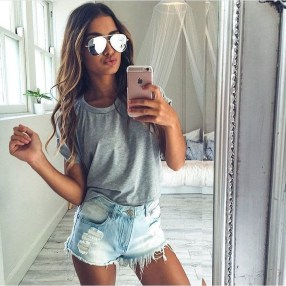 Creative Summer Style Ideas With Ripped Jeans01