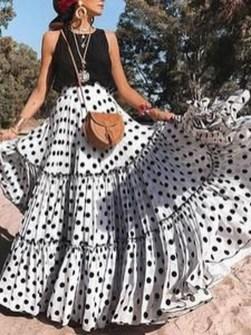 Delicate Polka Dot Maxi Skirt Ideas For Reunion45