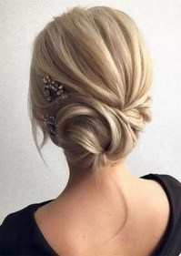 Fashionable Hairstyle Ideas For Summer Wedding Guest03