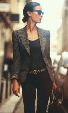 Stylish Outfits Ideas For Professional Women17