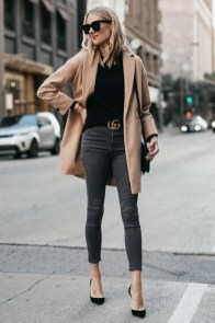 Charming Winter Outfits Ideas To Go To Office04