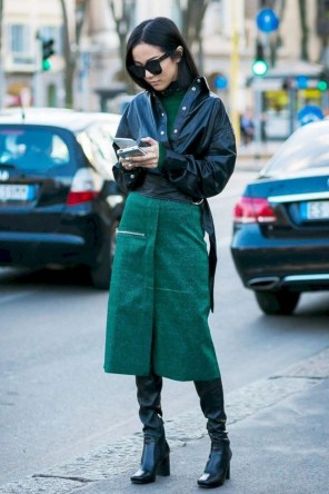 Charming Winter Outfits Ideas To Go To Office18