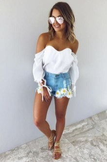 Cute Summer Outfits Ideas For Women You Must Try29