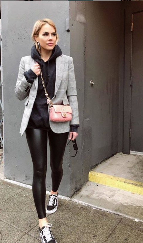 Fancy Work Outfits Ideas With Black Leggings To Copy Right Now36