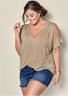 Glamour Summer Fashion Trends Ideas For Plus Size41