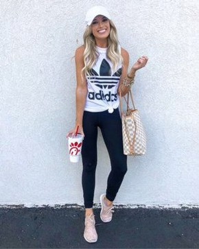 Inspiring Summer Outfits Ideas With Leggings To Try23