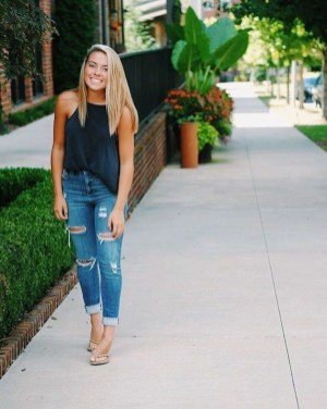 Modern Summer Outfits Ideas That You Can Try Nowadays10