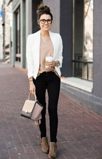 Unique Office Outfits Ideas For Career Women14