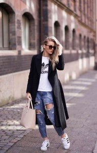 Attractive Sneakers Outfit Ideas For Fall And Winter28