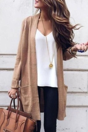Attractive Spring And Summer Business Outfit Ideas For Women33