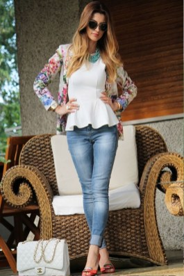 Cozy Combinations Ideas With Floral Blazers You Must Try23