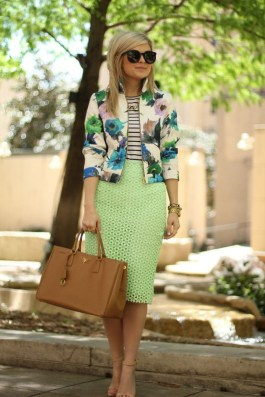 Cozy Combinations Ideas With Floral Blazers You Must Try24