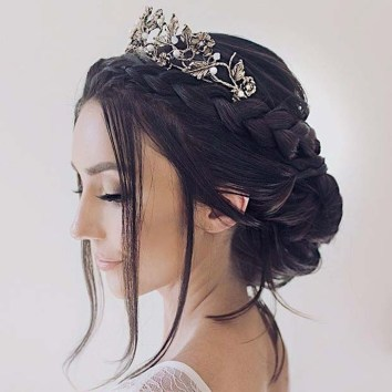 Elegant Wedding Hairstyle Ideas For Brides To Try09