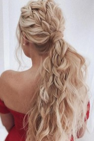 Gorgeous Prom Hairstyles Ideas For Women You Must Try04