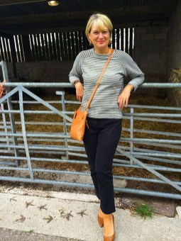 Inspiring Spring And Summer Outfits Ideas For Women Over 4005