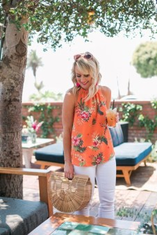 Inspiring Spring And Summer Outfits Ideas For Women Over 4014