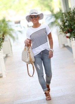 Inspiring Spring And Summer Outfits Ideas For Women Over 4034